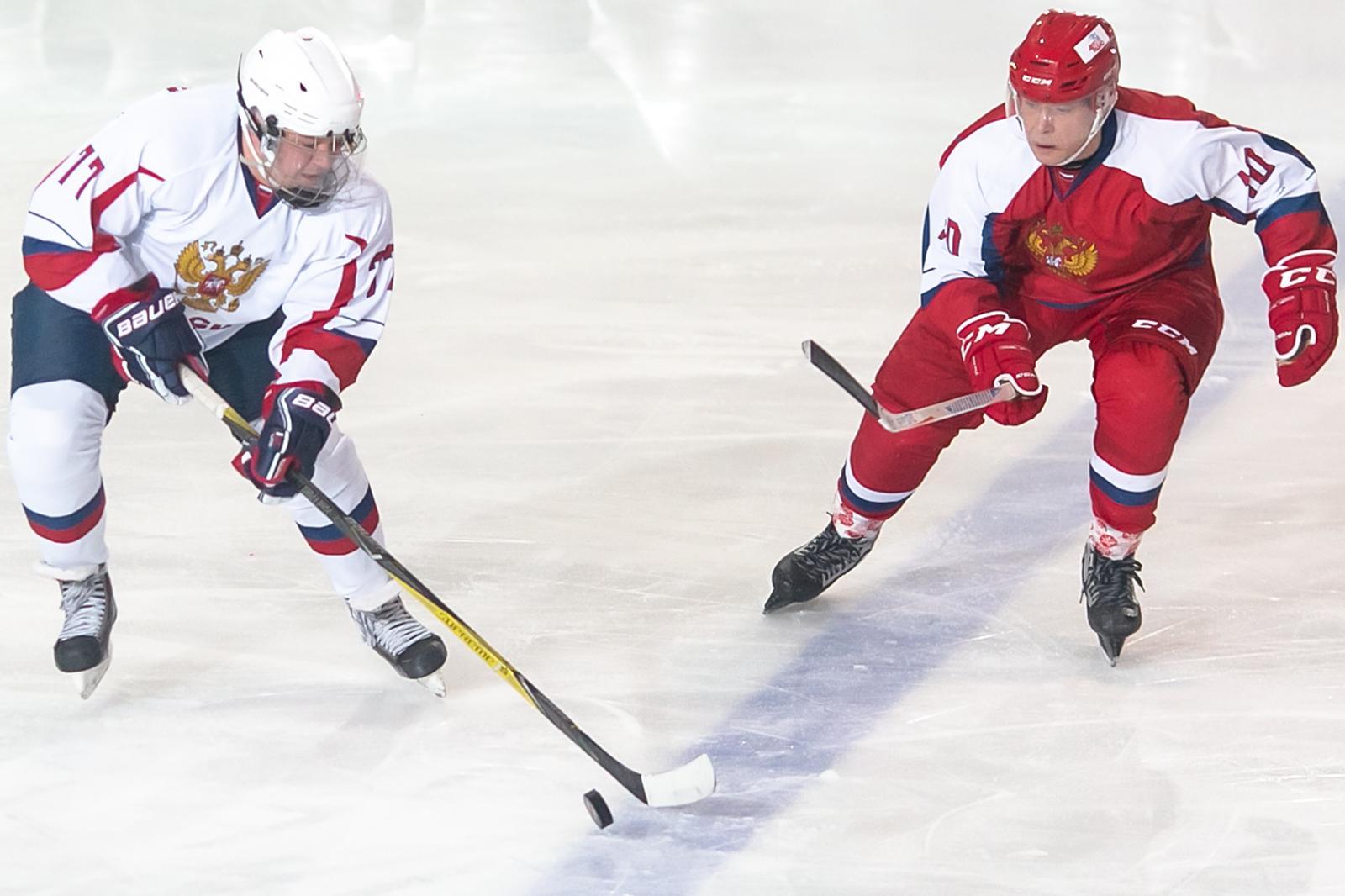 Хоккей 3 Января 2020 Легенды Хоккея v Ночная Хоккейная Лига Роза Хутор Сочи